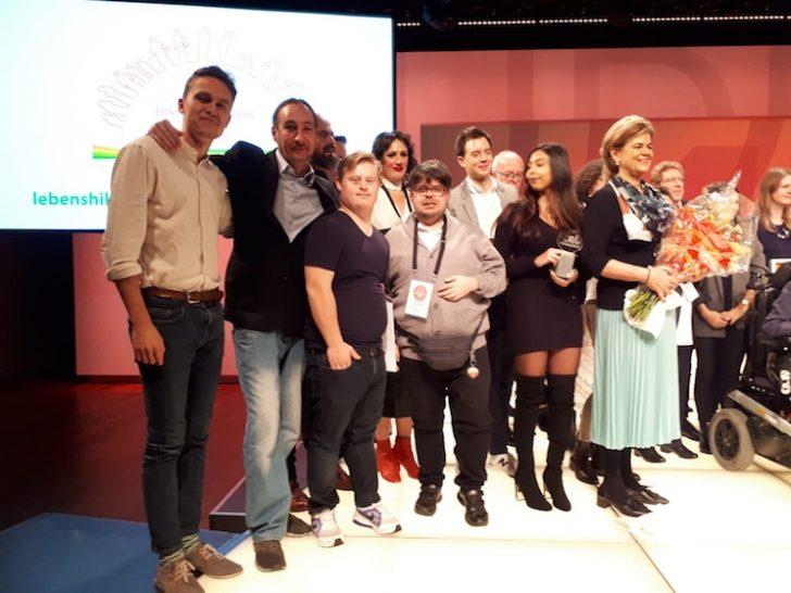 Attila Zanin, Raphael Kadrnoska, Bettina Glatz-Kremsner und andere auf der Bühne des Studio 44.