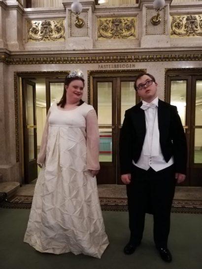 Magdalena Tichy und Konrad Heller beim Fotoshooting in der Staatsoper