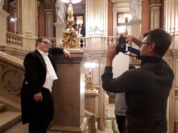 Konrad Heller beim Fotoshooting in der Staatsoper