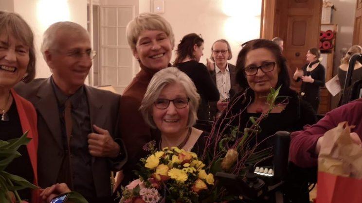 Verleihung Ehrenmitgliedschaft an Helga Neira