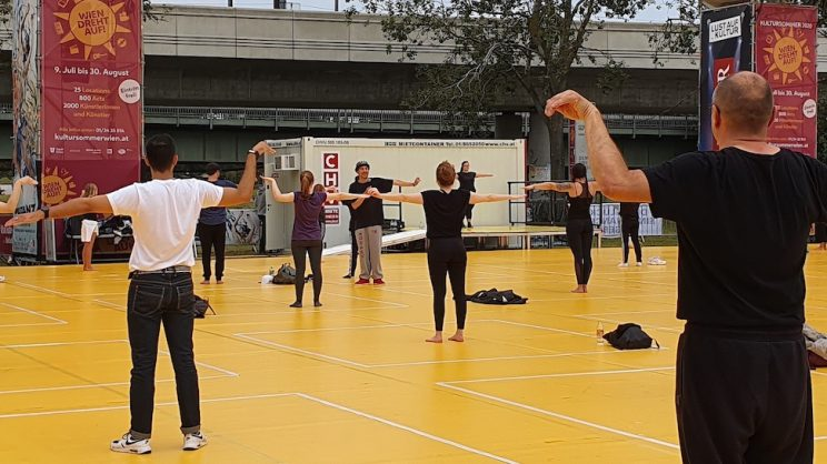Attila trainiert bei Public Moves
