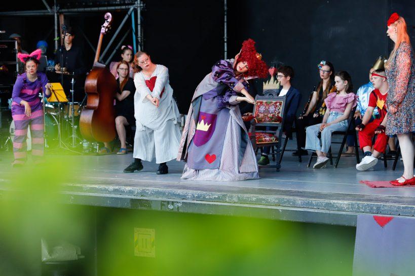 Alice im Wünscheland, Premiere